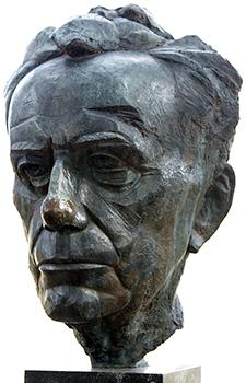 Image of Paul Tillich sculpture